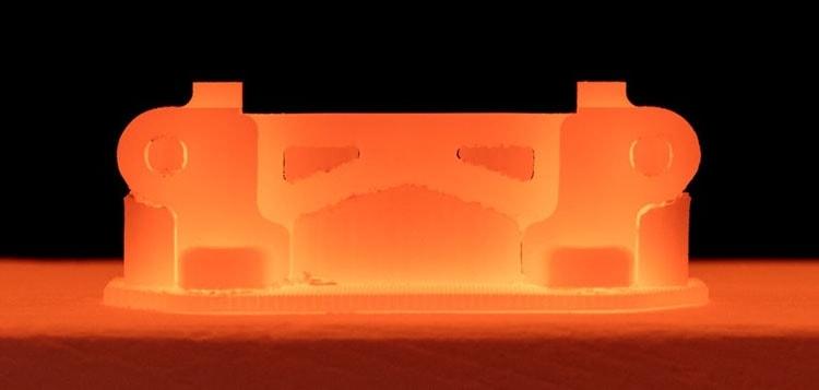 После печати модель запекается в печи с температурой до 1400 градусов по Цельсию (Desktop Metal)